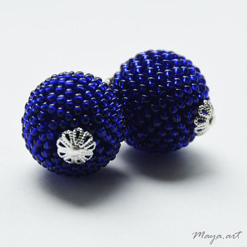 Modré obšívané kuličkové náušnice