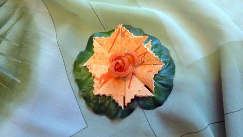 Oranžová kytička s růžičkou