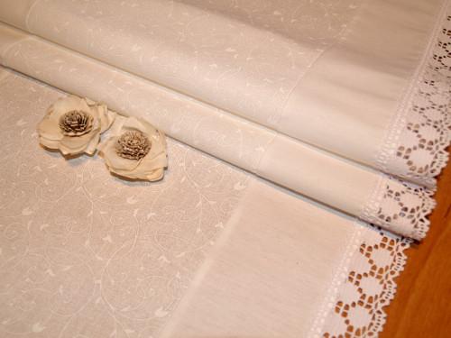 Běhoun - Bílé spirály s krajkou