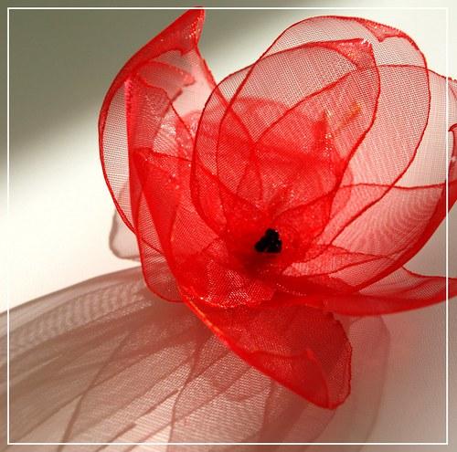 květina do vlasů - červená