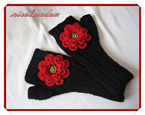 Rukavičky černé s červenou kytičkou