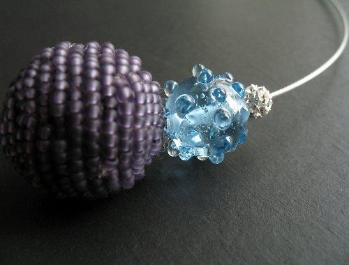Náhrdelník korálkovka fialová