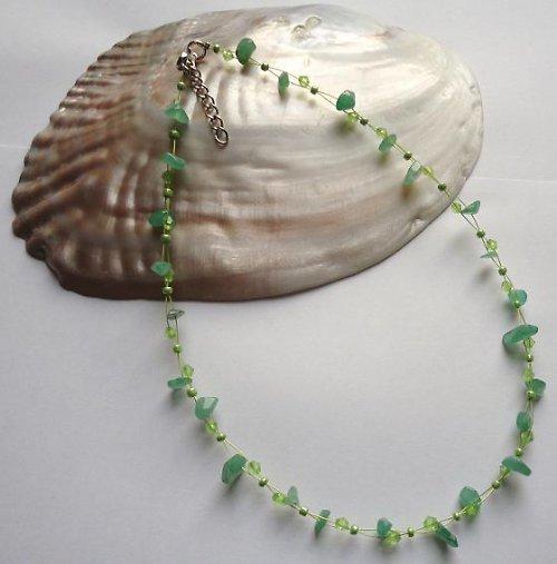 Elegantní náhrdelník z minerálu zelený aventurín