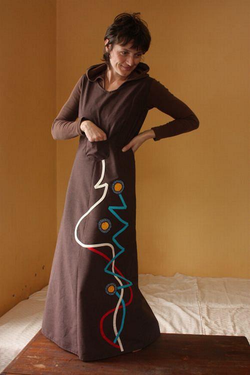 dlouhé šaty bez rukávů s patchworkem