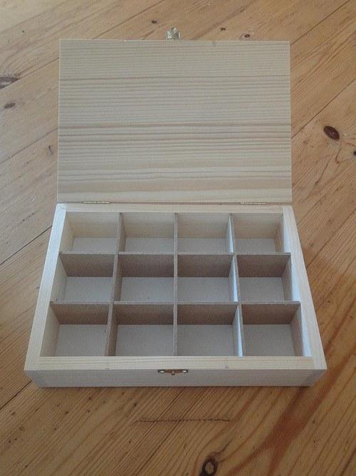 12-přihrádková, dřevěná krabička