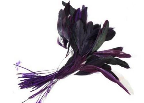 Tm.fialové kohoutí peří 10ks