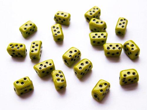 Domino (mačkané korálky)