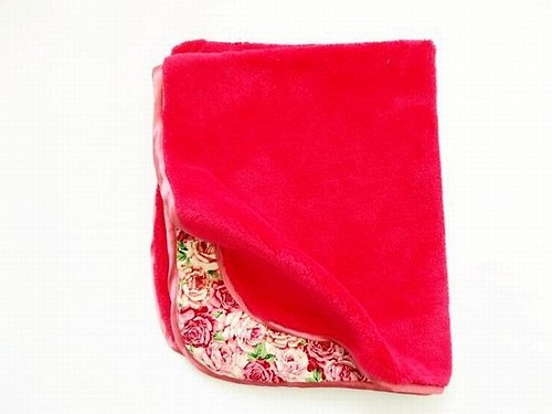 Oboustranná deka Růže - malinová