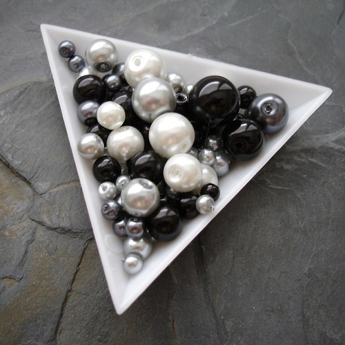 Mix voskovaných kuliček - 30 g - černo-bílý