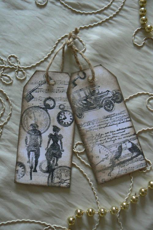 Záložky nebo přívěsky na dárky