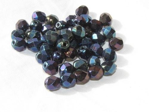 Broušené korálky 6 mm, černé s barevným pokovem