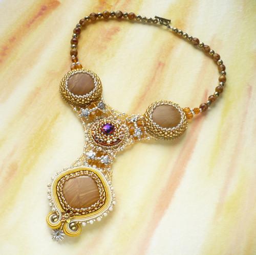 Pavučinec hlubinný - náhrdelník