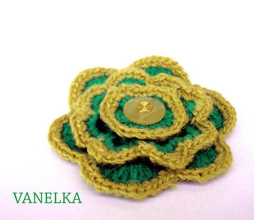 Green flower - háčkovaná brož