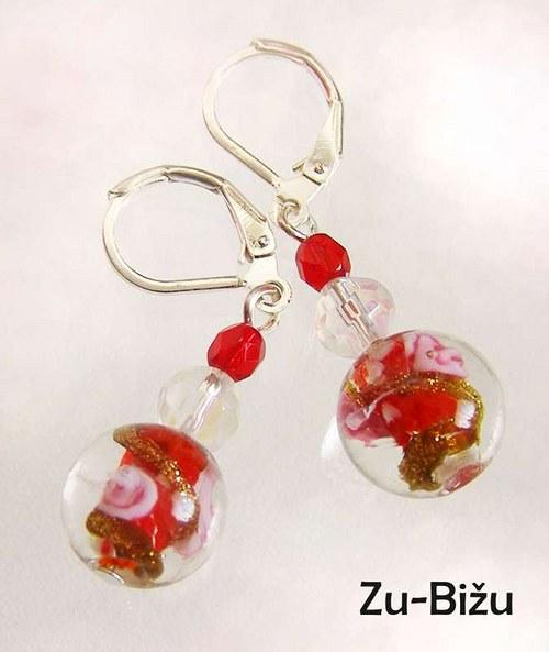 Červené guličky s ružičkou :)