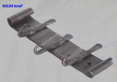 Věšáček  na klíče třímístný