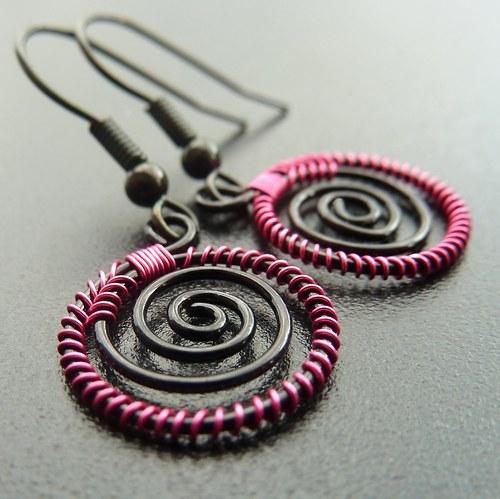 Náušnice - Sytě růžové spirálky