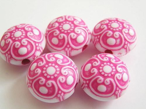 Kulaté čočky tmavě růžová barva