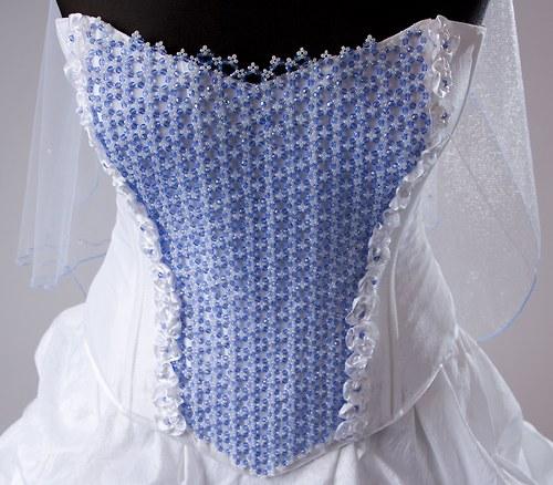 Svatební zeštíhlující korzet se skleněnou krajkou