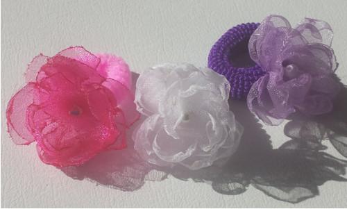 Fialová/růžová/bílá kytička na gumičce