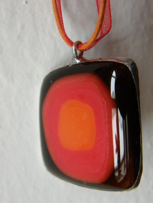 Skleněný náhrdelník Peklo