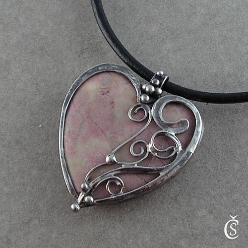 Doteky srdce - růžový Mramor
