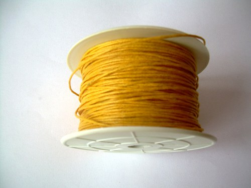 Povoskovaná šňůra žlutá - 10 m