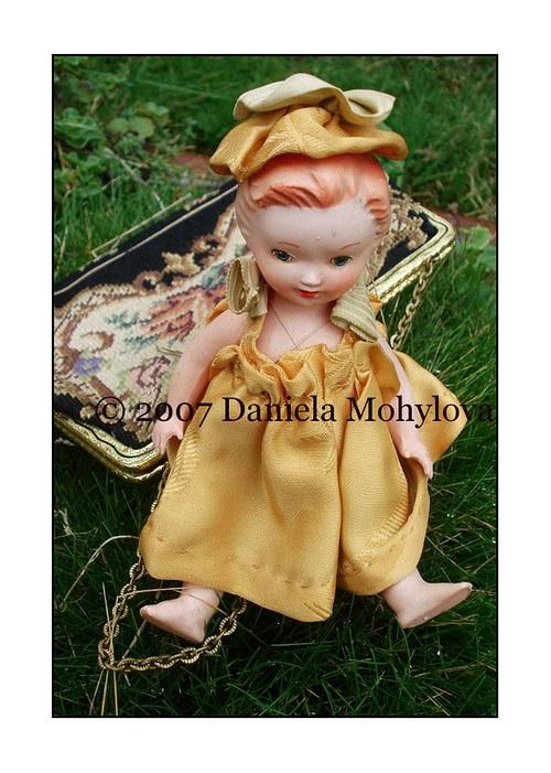 Příběhy hraček - panenka ve zlatém
