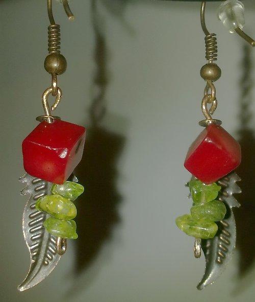 Náušnice z korálu a peridotu I.