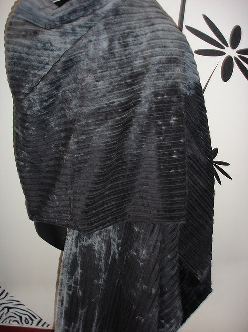 originální šedočerný manšestr