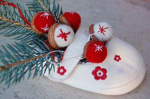 Žaludy vánoční