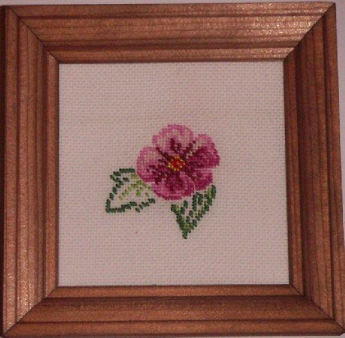 Vyšívaný obrázek - růžový květ