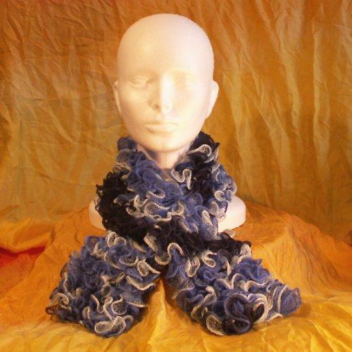 pletená šála - volánková tmavší  modrá