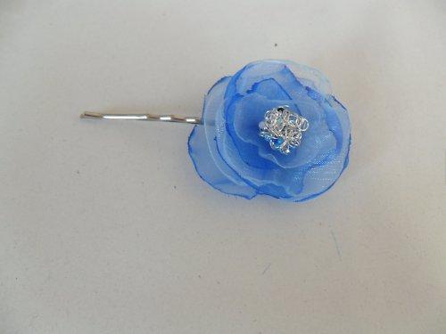 Ozdobná sponka s kytičkou modrá