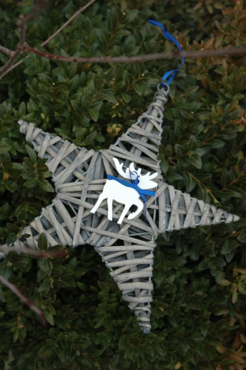 Vánoční proutěná hvězda se sobem