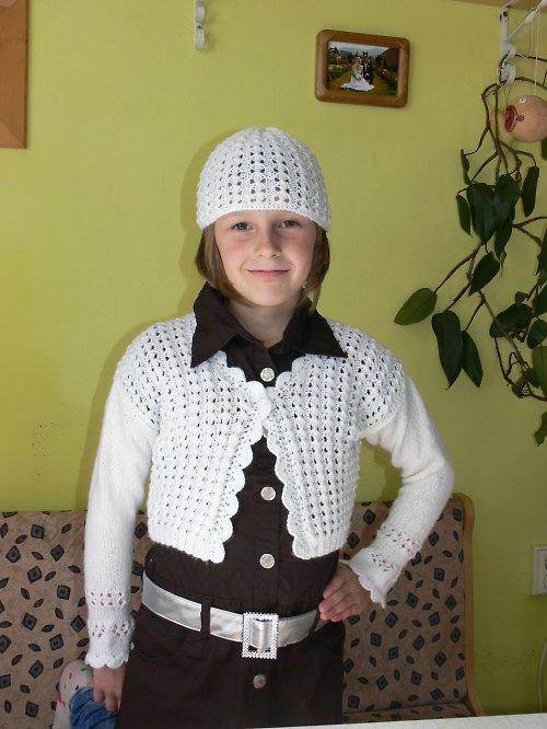 dětský svetřík s čepičkou
