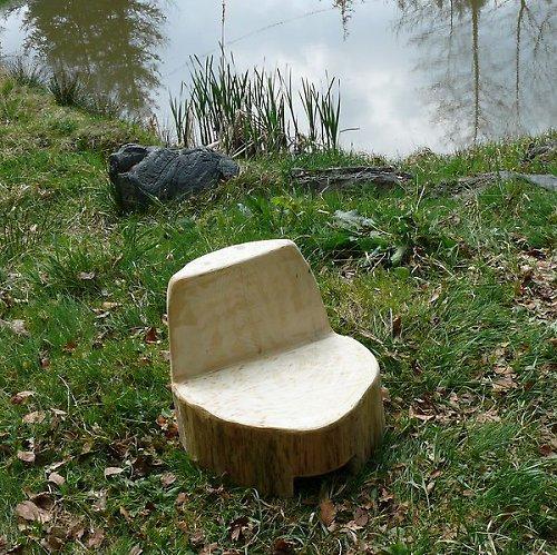 Stolička k ohništi kulatá