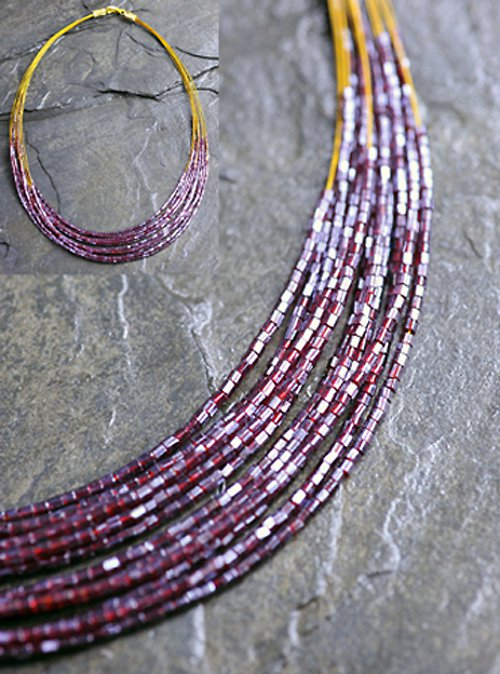 Červený korálkový náhrdelník N0023R