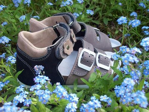 dětské sandálky s kvítky (vel.25-30)