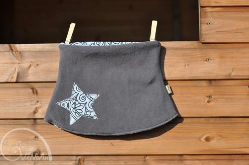 Hvězdný nákrčník šedá-mandaly