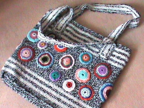 taška-samá kolečka