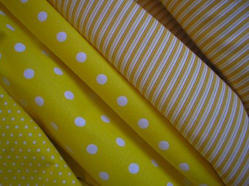látka - metráž - žluté proužky