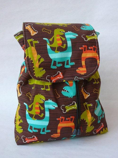 Batůžek ...dinosauři...