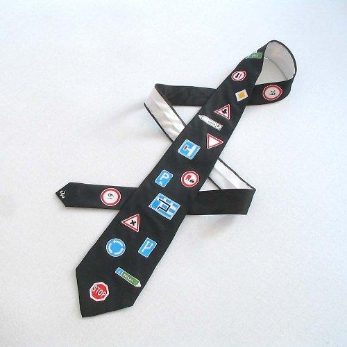 Značková kravata - černá