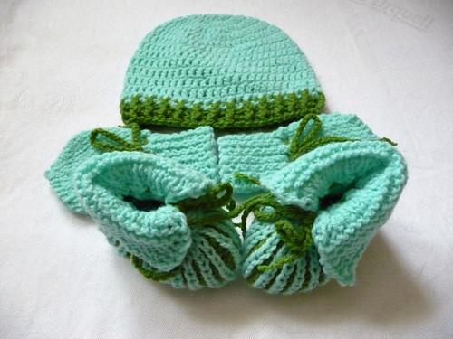 Set-čapka+rukavičky+bačkůrky-do zelena
