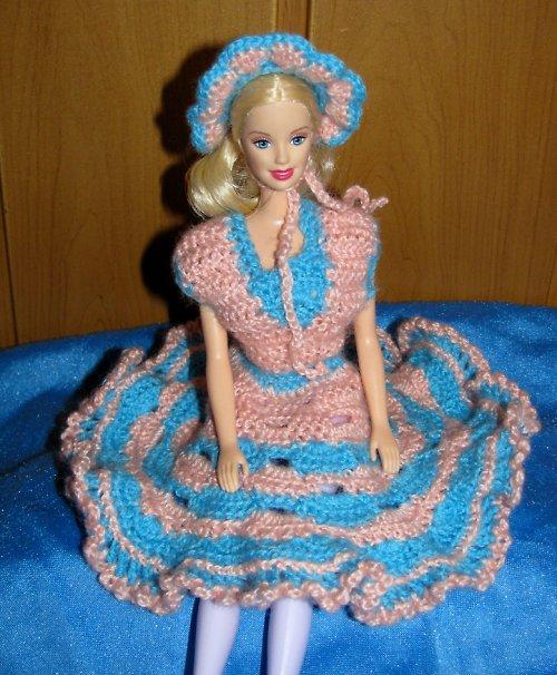 Šaty s kloboučkem v kombinaci lososová - modrá