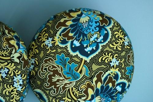 Romantický sedák S ornamenty (se zipem)