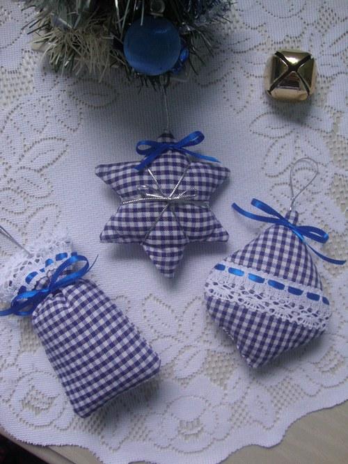 Vánoční ozdoby-modrobílá kostka č.1