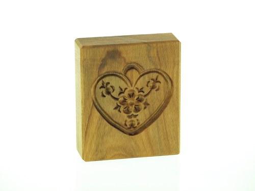 srdíčko-dřevěná forma na perník,keramiku