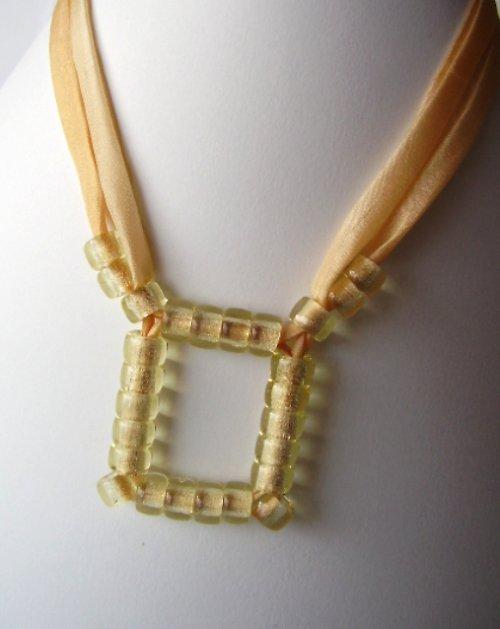 Korálkový náhrdelník