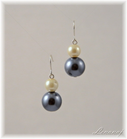 Perle grigie e bianche